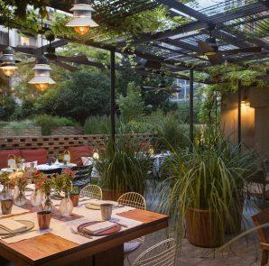 El patio restaurante hotel alexandra