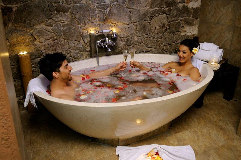 Baño sensual en pareja