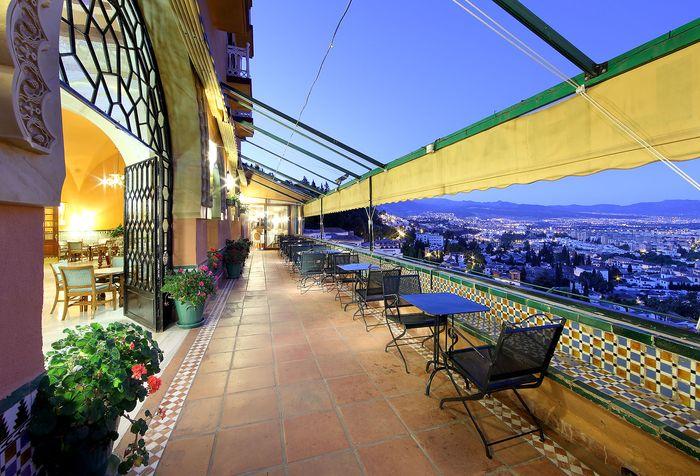 Alhambra Palace Viaje Romantico