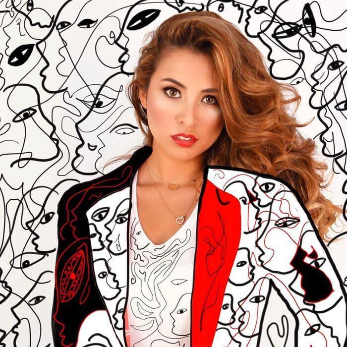 Plexxo Art by Juliana García