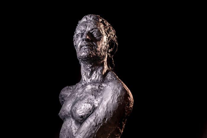 Escultura de Rafael Amargo creada por Jorge Egea